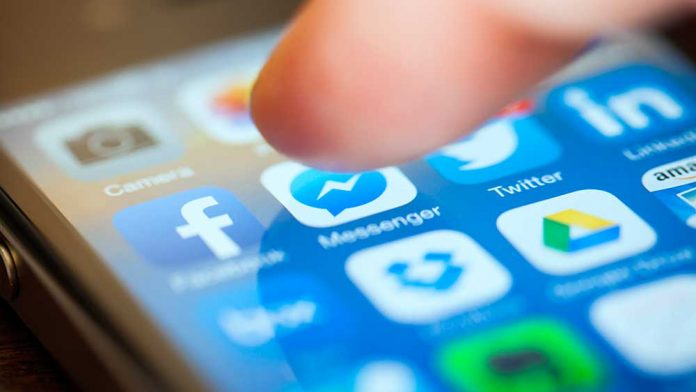 Social networking giant Facebook messenger notches over 1 billion devices.