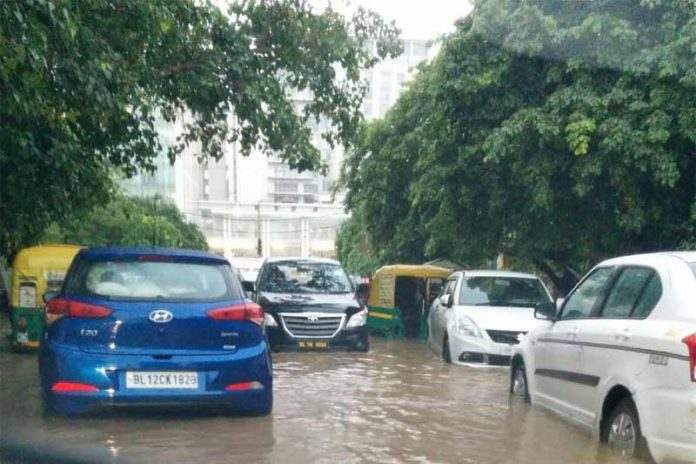 Gurgaon Waterlogging Blocks NH 8