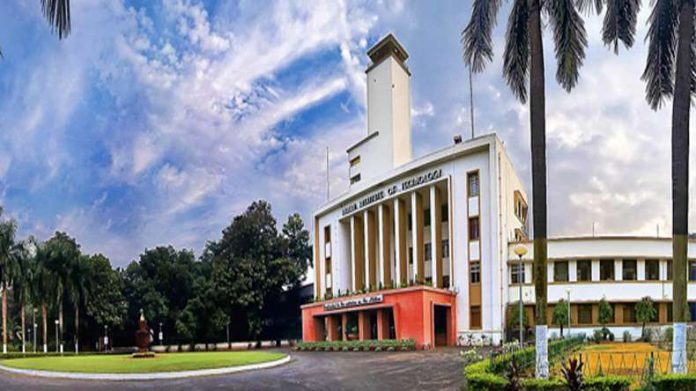 Learn-earn-return: IIT Kharagpur
