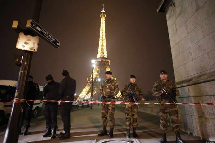 Eiffel tower on high alert causing visitors to evacuate the place