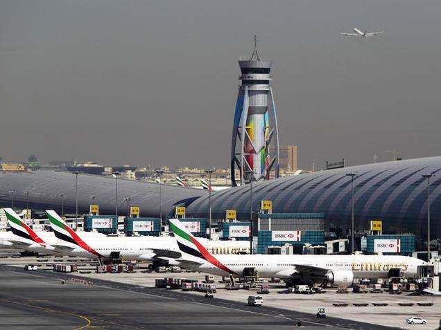 Emirates plane makes Emergency Landing