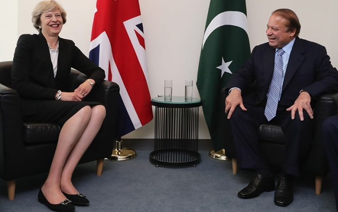 Pakistan PM sharif met John Kerry