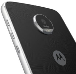 Moto Z play review model