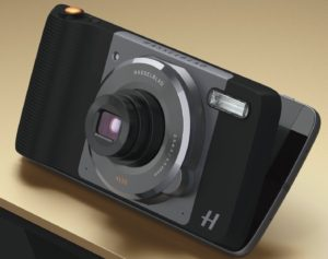 moto-hasselblad-true-zoom-mod-review-pic-1