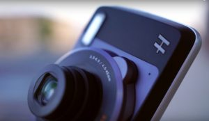 moto-hasselblad-true-zoom-mod-review-pic-3
