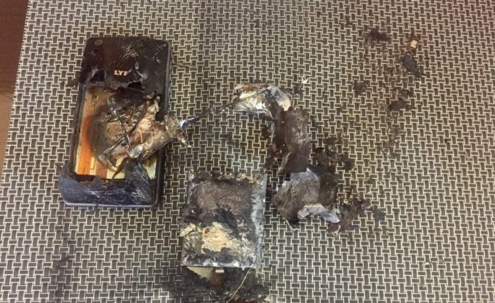 Big Blow to Reliance, Reliance Lyf Phone Blast into flames