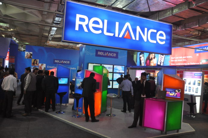 Reliance Offers unlimited on-net calls and 1000 mins off-net calls at Rs 153