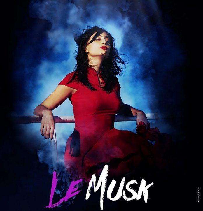 Le Musk first-look