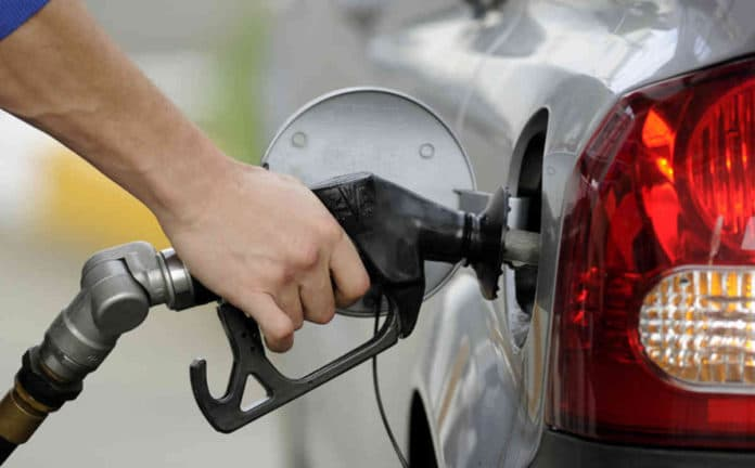 Petrol Price slashed in india