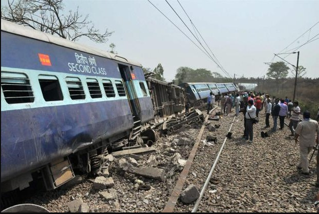 3 dead, many injured as Vasco Da Gama Express derailed in UP