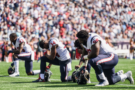 Texans, Dolphins deny reports over anthem policy